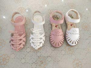 2017 Fashion Kid′s Sandals