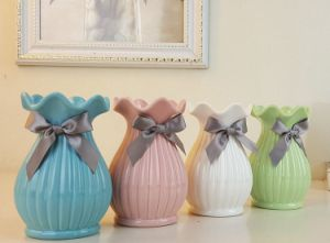 European Modern Fashion Ceramic Flower Vase Home Decoration Small Ceramic Vases Wedding Home Decoration Tabletop Handmade Vase pictures & photos