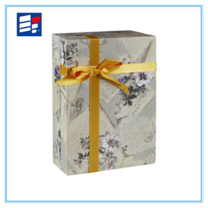 Custom Luxury Ribbon Packaging Cardboard Box with Flower and Jewellery pictures & photos