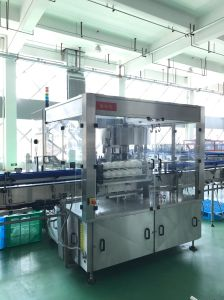 Water Bottles Hot Melt Glue Labeling Machine pictures & photos