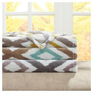 Alibaba Trade Assurance 100% Polyester Coral Fleece Blanket pictures & photos