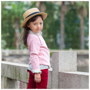 Phoebee Wholesale Knitted/Knitting Kids Clothing Little Girls Clothes pictures & photos