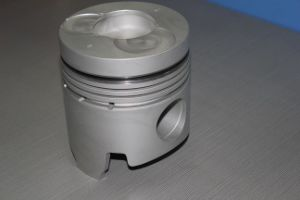 2015 China Factory Custom Small Engine Spare Parts Piston pictures & photos