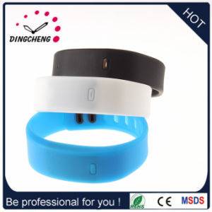 2015 Fashion Colorful Digital Silicone Bracelet Watch (DC-047) pictures & photos