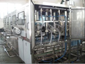 Hot Sale Glass Bottle Filling Machine for Beverage (BXGF24-24-6) pictures & photos