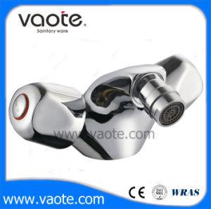 Double Handle Bidet Faucet/Mixer (VT61204) pictures & photos
