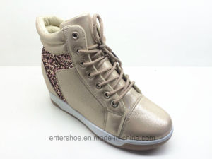 2017 Brand New Nice PU Ladies Hidden Wedge Shoes (ET-XK160353W) pictures & photos