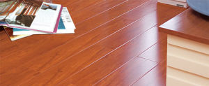 8.3mm Mirror Surface HDF Laminated Floor AC3 U Groove E1 pictures & photos