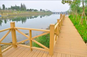 Synthetic Wood Plastic Composite WPC Fence / Decking for Outside pictures & photos