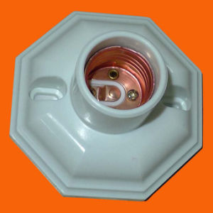 Bakelite Lamp Holder for Indonesia (H5076) pictures & photos
