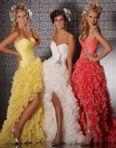 Cascading Ruffles Prom Dresses Ball Gown Slit Chiffon Party Evening Gowns (LD11557) pictures & photos