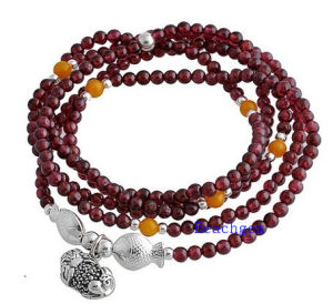 Natural Garnet Beads Bracelet with Silver Charm (BRG0026) pictures & photos