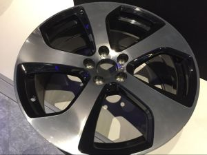 Car Alloy Wheel Black Machined Lip 5X120 5X112 4X100 5X114.3 pictures & photos