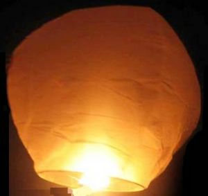 Flying Lantern (kong ming deng) with Oval Shape (B101) Sky Lantern pictures & photos