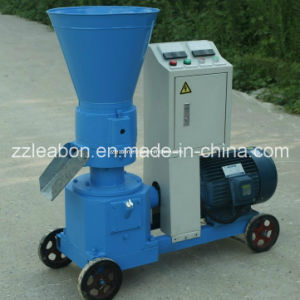 Hot Sale CE Certificated Chicken Feed Pellet Machine Price pictures & photos