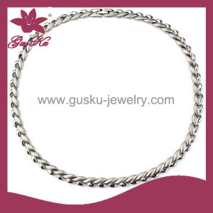 Fashion Stainless Steel Necklace Health Care Magnetic Jewelry (2015 Stn-016) pictures & photos