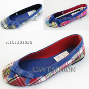 Fashion Checked Fabric Flat Heel Lady Shoes (A101101080)