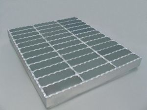 Serrated Gratings