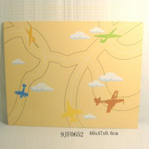 En71 Wooden Bulletin Board in Plane Design pictures & photos