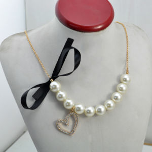 VAGULA Gold Planted CZ Rhinestone Pearl Necklace pictures & photos