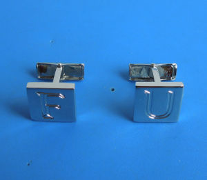 Engraved Letters Logo Cufflinks Silver Plating Cufflinks pictures & photos