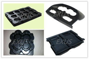 Thick Sheet Semi-Automatic Vacuum Forming Machine pictures & photos