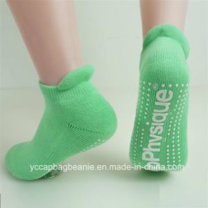 Customize Hot Sale Bounce Yoga Socks pictures & photos