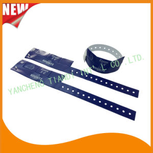 Entertainment 3 Tab Vinyl Plastic Wristbands ID Bracelet (E6070-3-4) pictures & photos
