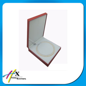 Luxury Simple Jewelry Pearl Packaging Box Plastic Box pictures & photos