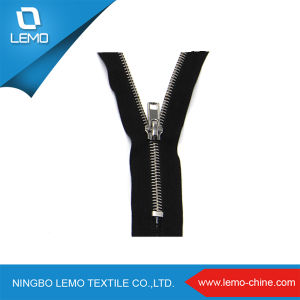 Popular 3# Metal Zipper for Garment pictures & photos