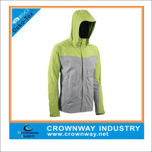 Lightweight Hooded Outdoor Waterproof Jacket for Men pictures & photos