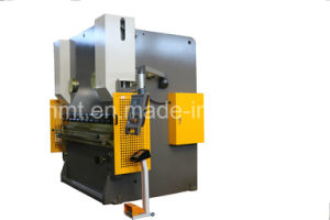 Popular Model Wc67y-200t3200mm Hydraulic Press Brake/Hydraulic Plate Bending Machine pictures & photos