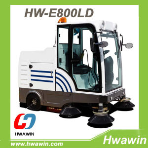 Auto Discharging Electric Street Road Sweeper pictures & photos