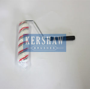 011 Paint Roller (White-and-red striped Plastic with long handle) pictures & photos