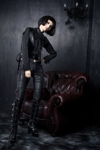 Fashion Lady Slim Goth Rock Tight Leather Pants (K-103) pictures & photos