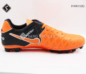 2017 Fashion Man Soccer Sports Shoes pictures & photos