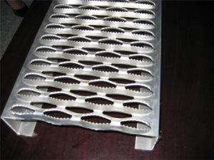 Crocodile Mouth Hole Anti-Skid Plate/Antiskid Plate/Checkered Plate pictures & photos
