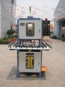 Ultra-High-Speed Winding Machine pictures & photos