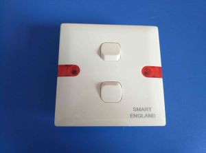 UK Style ABS Shell Copper Contact Wall Socket (W-102) pictures & photos