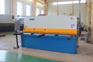 Hydraulic QC12y-10*4000 with Ce Certificate Popular in USA and EU Hot Sale Product Shearing Machine pictures & photos