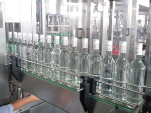 Automatic Whiskey Filling Machine pictures & photos