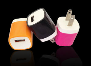 Portable Universal USB Wall Charger Us Flat Plug Cell Phone Charger pictures & photos