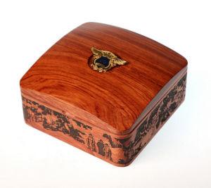 Custom Souvenir Badge Storage Gift Wooden Box pictures & photos