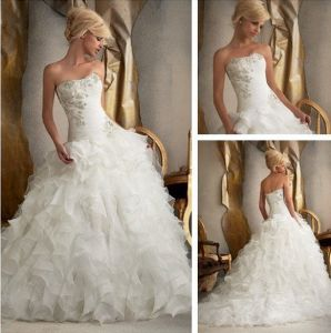Bridal Ball Gown Strapless Bridal Wedding Dress Cascading Ruffles Wedding Dresses (W1675) pictures & photos