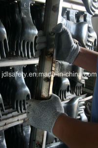 PU Coated Cut Resistant Work Glove (PD8060) pictures & photos