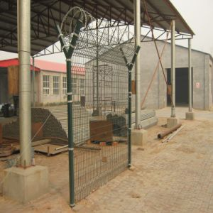 2015 PVC Coated Wire Mesh Fence pictures & photos