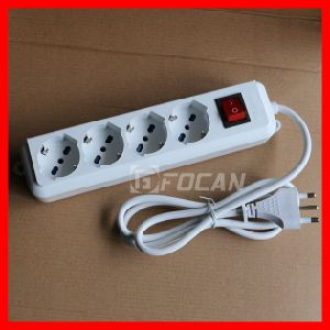 4 Outlet Italy Power Strip Socket with Child Protector pictures & photos