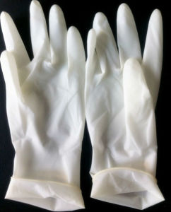 9′′-11′′ Disposable Latex Surgical Gloves with Most Competitive Price pictures & photos