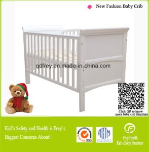 Solid Pine Wood Baby Bed/Crib with Drawer pictures & photos