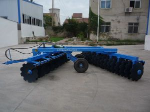 Farm Tools Heavy Duty Disc Harrow for 100-125HP Tractor pictures & photos